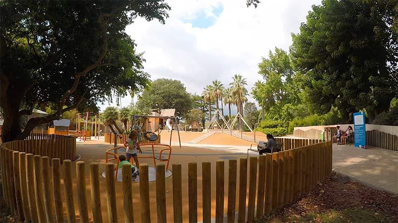 Jeux Zoo de Barcelone.