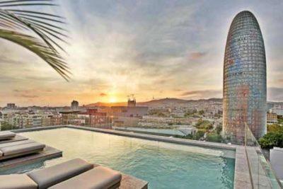 hotel luxe piscine rooftop barcelone